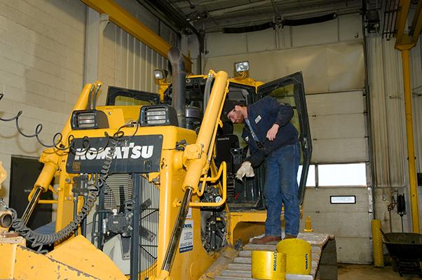 New Komatsu Diesel Technician Program | A Guaranteed Career
